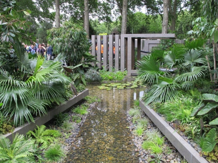 Image of a garden at the RHS Chelsea Flower Show.